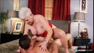 mature granny leweJ (inverse) sucks and fucks young cock