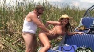 Milfhunter Cockadile hunter (Carly very beautiful porn)