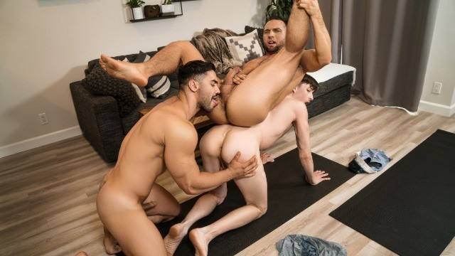 Colby Tucker And Arad Winwin Take Turns Receiving Jack's Hunter Hard Dick