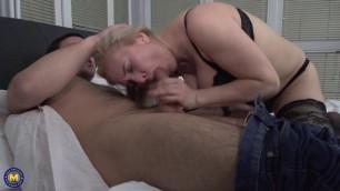 Maturenl Alma Mothers That Suck Cock