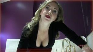 Mistress T - MILF Bathtime jerk off