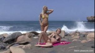 Beach Day Annely Gerritsen