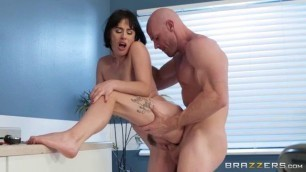 Arch Support girl having sex Olive Glass Johnny Sins girlfriends horny Brazzers