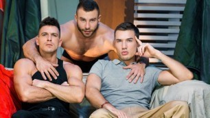 Men - Paranormal Part 3 Diego Reyes , Paddy O'Brian , Theo Ford
