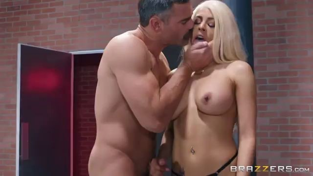 The Great Fuck Luna Star Bomb Pussy