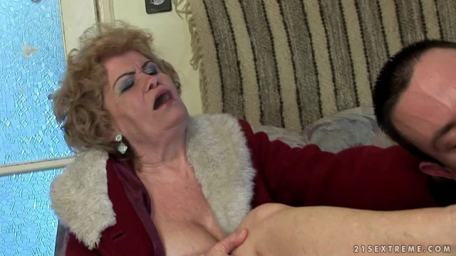 25 Effie & Rob granny mature hairy milf The man collector