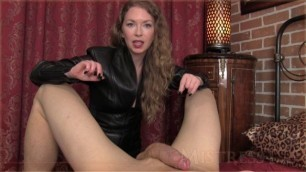 Mistress T - mean stop and go game