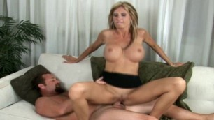 Shes the boss (Brooke Tyler hottest porn) Milfhunter