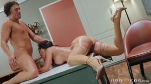 Brazzers Big Ass Brunette Lela Star Sex Preparedness Class BigTitsAtSchool