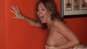 Tara Holiday is a Raunchy Woman who knows fuck like a bitch