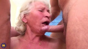 Maria aka Norma mature granny pissing pissed-on threesome