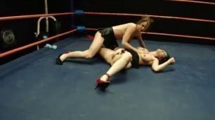 DT Wrestling Stunning Girls in the ring