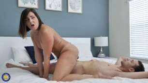 MATURENL HELENA PRICE girl hd porn – HOT AND HAIRY MILF GETTING SURPRISED BY HER NEPHEW WHO GIVES HER A CREAMPIE