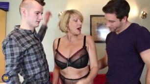 01 Amy & Alexei Jackson British mature housewife threesome